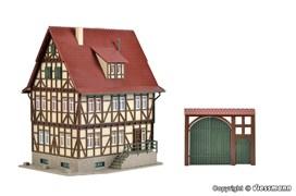 43730 Дом Фахверк с дворовыми воротами