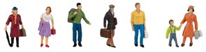 151615 Пассажиры с багажем на платформе